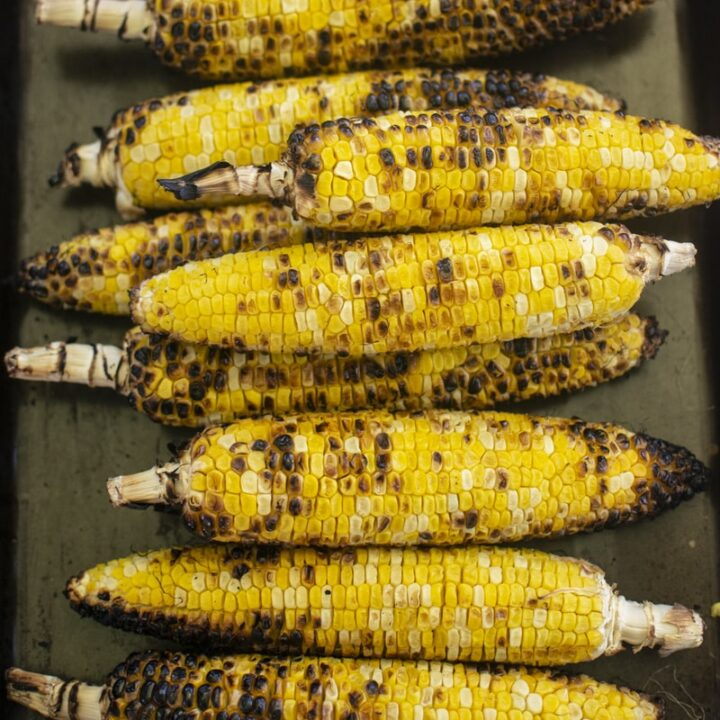 How to Reheat Corn on the Cob in Microwave