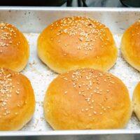 Best way to thaw frozen hamburger bun in microwave