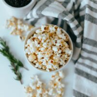 Best way to microwave popcorn without a bag