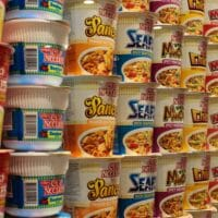 Does microwaving cup noodles cause cancer